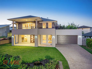 Spacious, Stylish & Sophisticated - Near 40SQ Contemporary Home Overlooking Picturesque Lake & Parkland