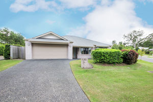 Big Family Home, 695m2 Block, Great Location
