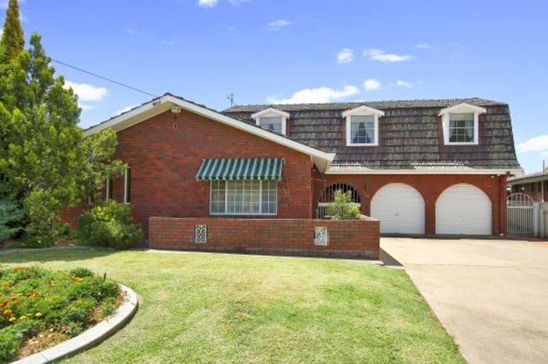54 Kyooma Street, Tamworth NSW 2340