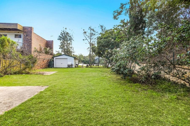 Photo - 542 Henry Lawson Drive, East Hills NSW 2213  - Image 2