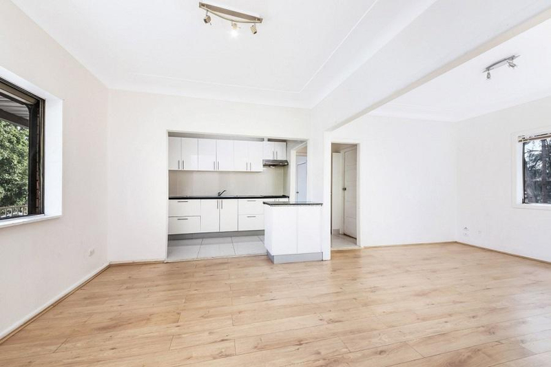 Photo - 542 Henry Lawson Drive, East Hills NSW 2213  - Image 6