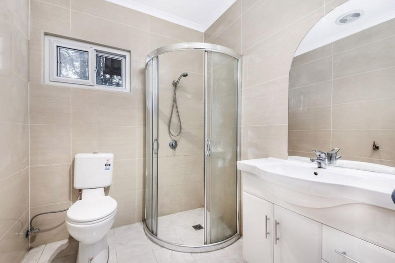 Photo - 542 Henry Lawson Drive, East Hills NSW 2213  - Image 8