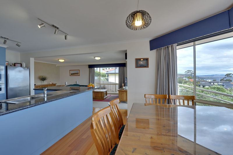 Photo - 550 Oceana Drive, Howrah TAS 7018  - Image 6