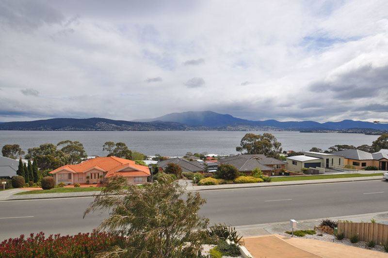 Photo - 550 Oceana Drive, Howrah TAS 7018  - Image 13