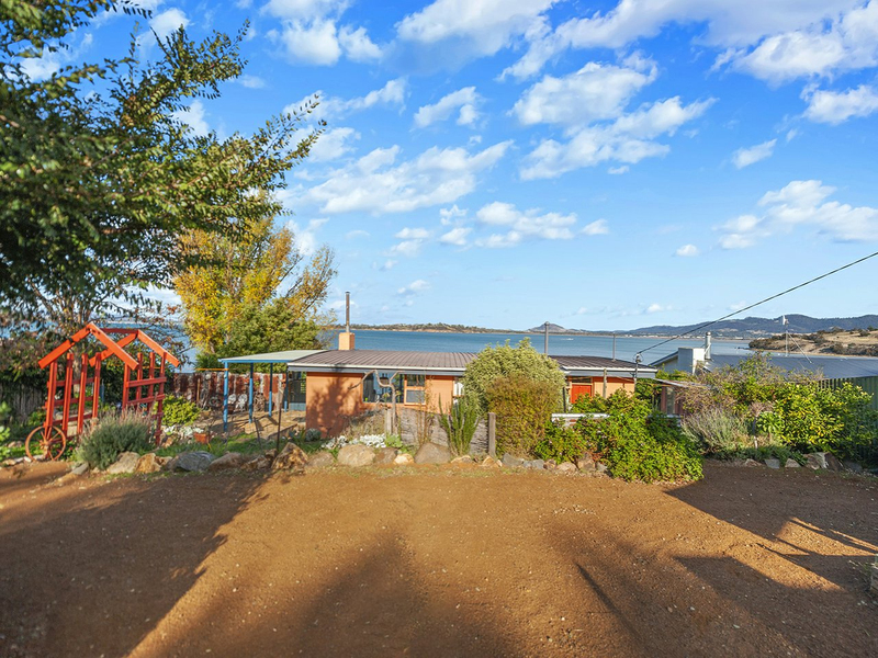 565 Shark Point Road, Penna TAS 7171