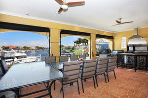 Entertainer's Canal Dream Lifestyle Awaits