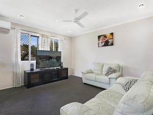 WURTULLA HOT SPOT- FAMILY HOME- VALUE ( UNDER CONTRACT )