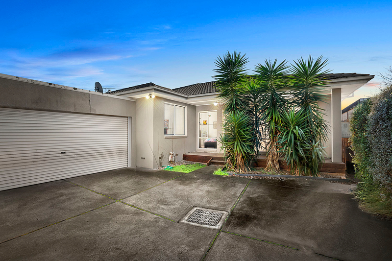 Photo - 5A Acacia Avenue, Mentone VIC 3194  - Image 1