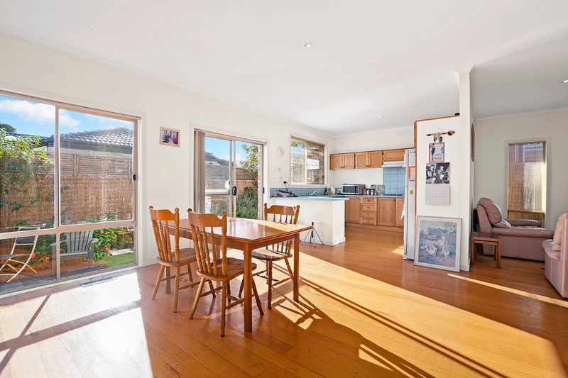Photo - 5A Acacia Avenue, Mentone VIC 3194  - Image 2