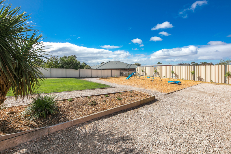 Photo - 6 Boyd Court, Romsey VIC 3434  - Image 10