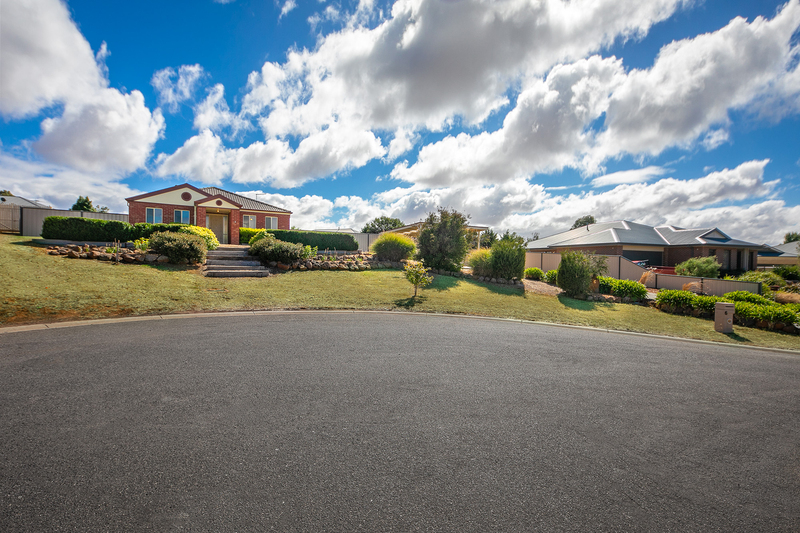 Photo - 6 Boyd Court, Romsey VIC 3434  - Image 13