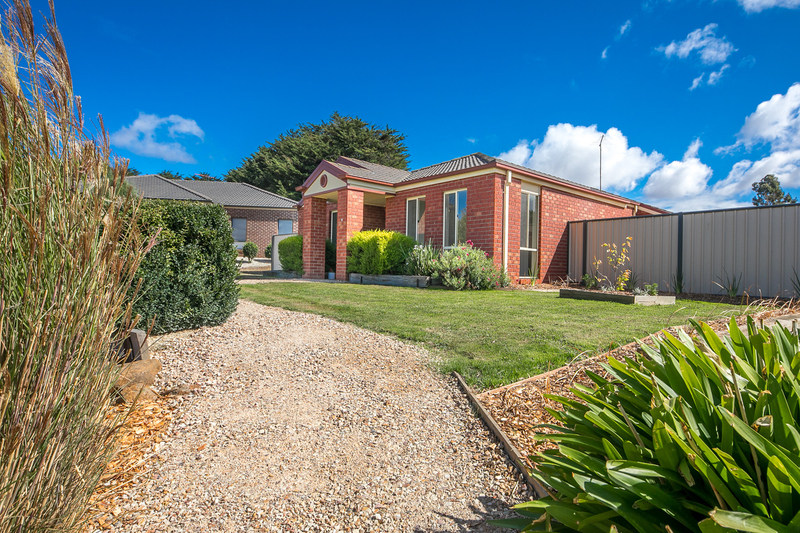 Photo - 6 Boyd Court, Romsey VIC 3434  - Image 16