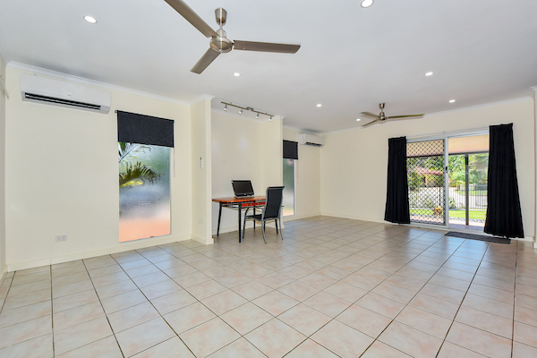 Photo - 6 Edith Court, Leanyer NT 0812  - Image 3