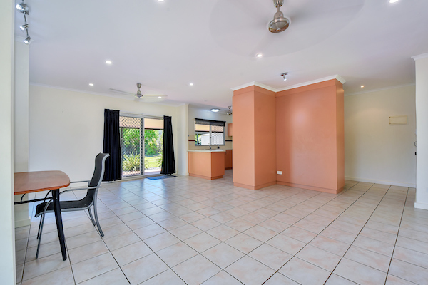 Photo - 6 Edith Court, Leanyer NT 0812  - Image 4