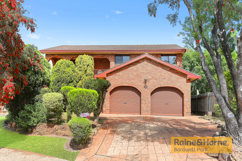 6 Maramba Close, Kingsgrove NSW 2208