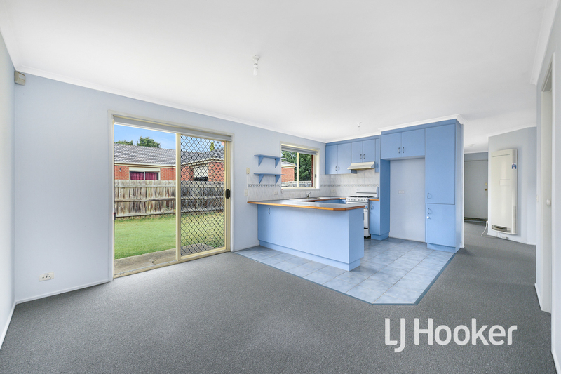 Photo - 6 Middleham Close, Cranbourne West VIC 3977  - Image 5
