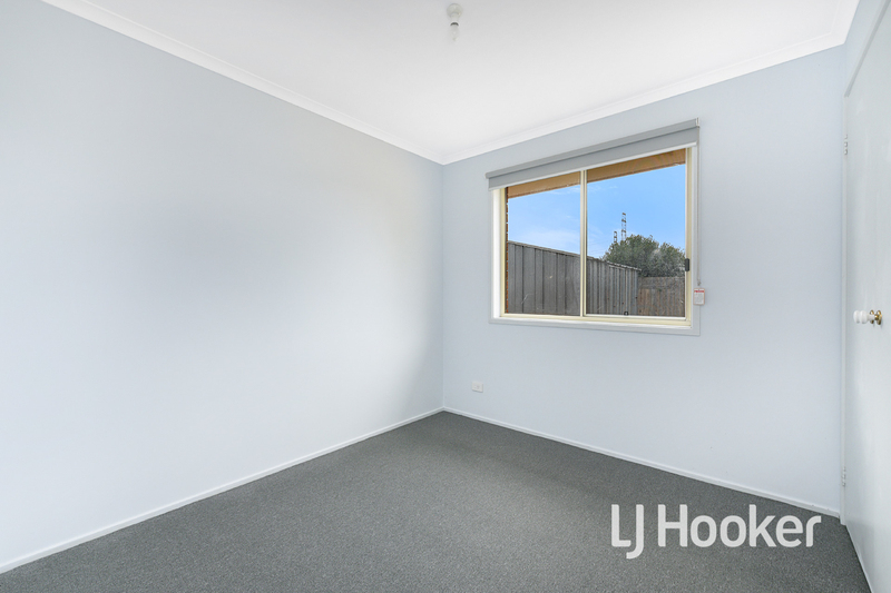Photo - 6 Middleham Close, Cranbourne West VIC 3977  - Image 10