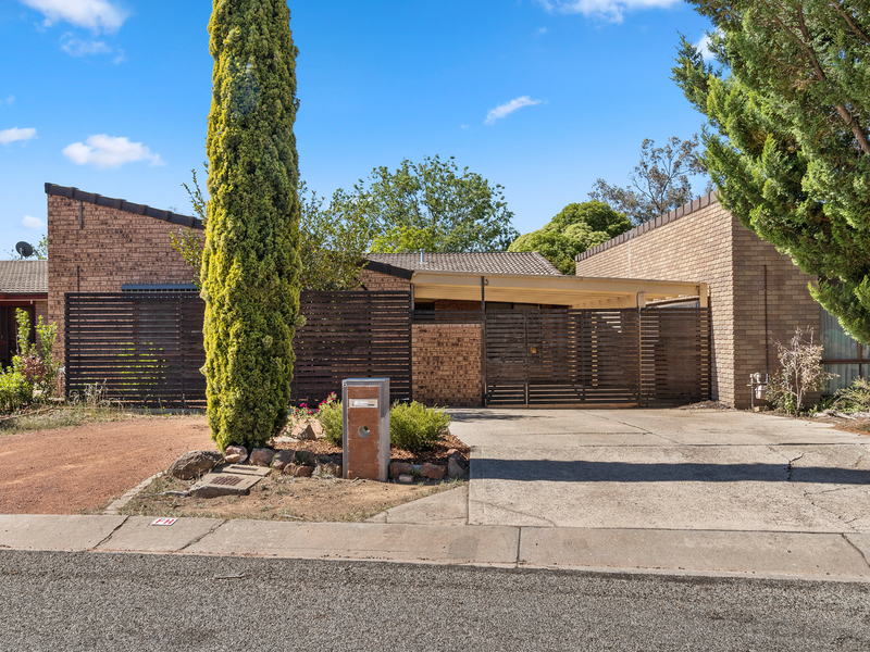 6 Moorehead Place, Latham ACT 2615