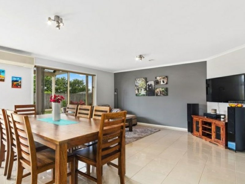 Photo - 6 Nicholson Place, Traralgon VIC 3844  - Image 6