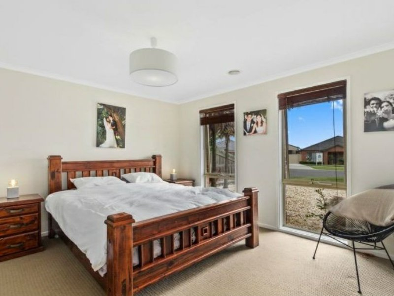 Photo - 6 Nicholson Place, Traralgon VIC 3844  - Image 8