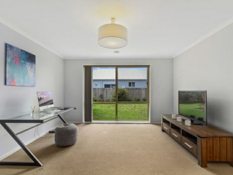 Photo - 6 Nicholson Place, Traralgon VIC 3844  - Image 11