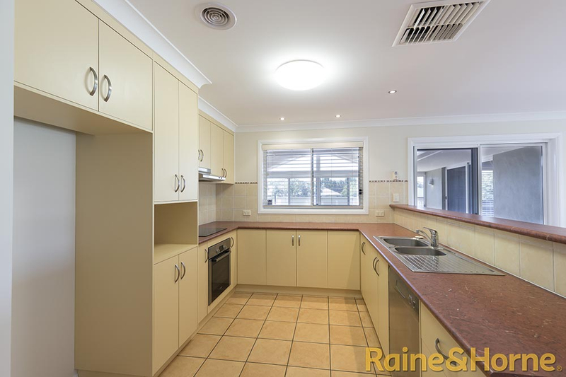 Photo - 6 Pebble Beach Drive, Dubbo NSW 2830  - Image 6