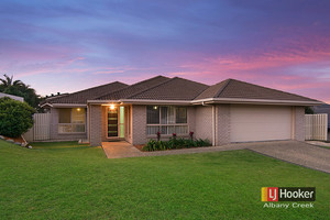 IMMACULATELY PRESENTED HOME IN WHISPER QUIET LOCATION!! MULTIPLE LARGE LIVING AR