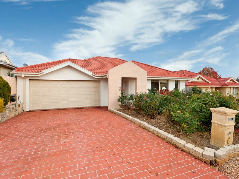 6 Rollins Place, Gordon ACT 2906
