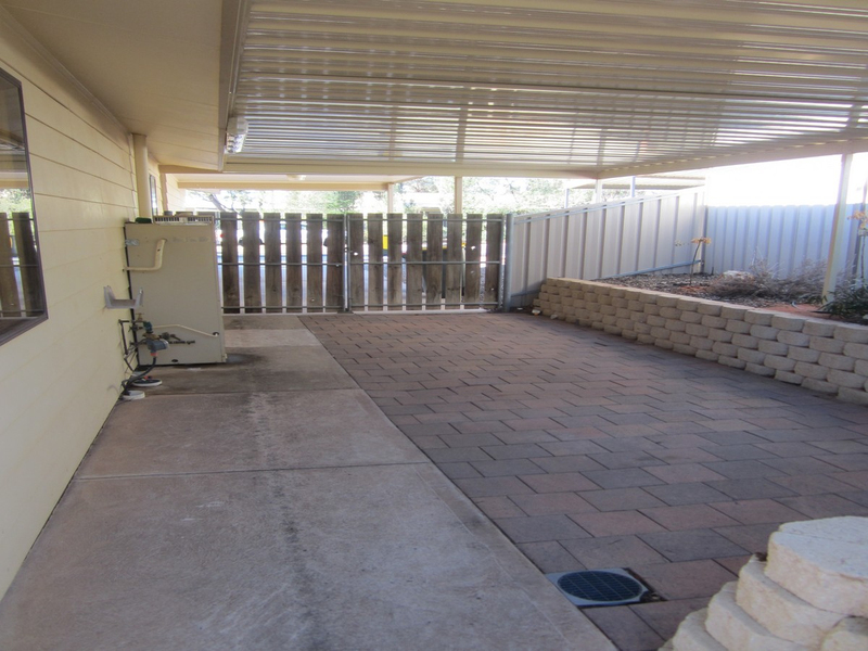 Photo - 6 Wirrda Street, Roxby Downs SA 5725  - Image 11