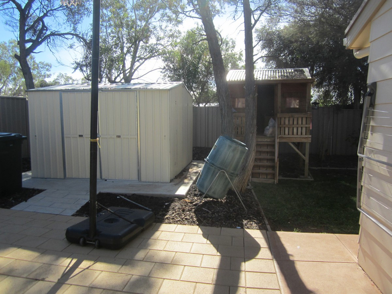 Photo - 6 Wirrda Street, Roxby Downs SA 5725  - Image 12