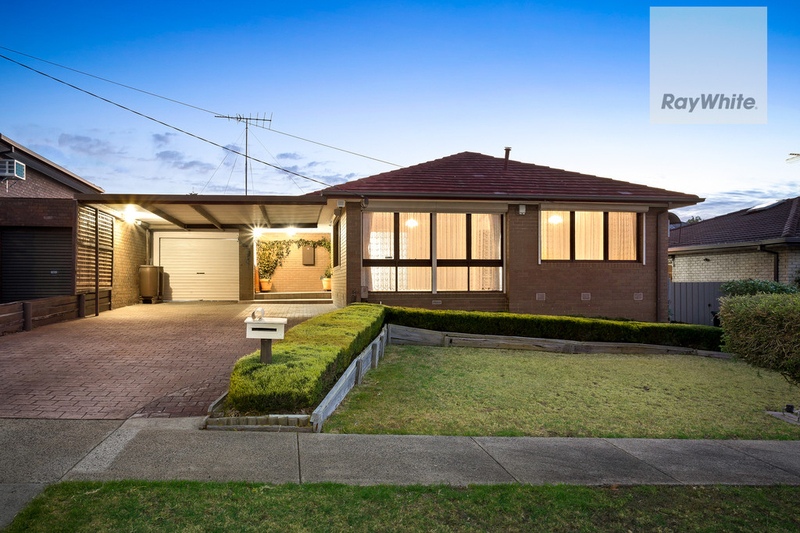 6 Woodleigh Place, Gladstone Park VIC 3043