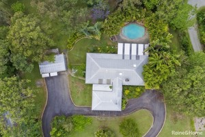 ULTIMATE ACREAGE LIVING AT IT'S FINEST IN BELLMERE