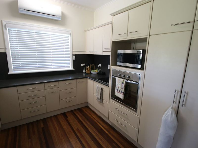 61 Fourteenth Ave Home Hill QLD 4806