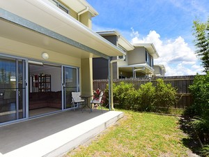 3 bedroom townhouse located in the much sought after estate of Brightwater
