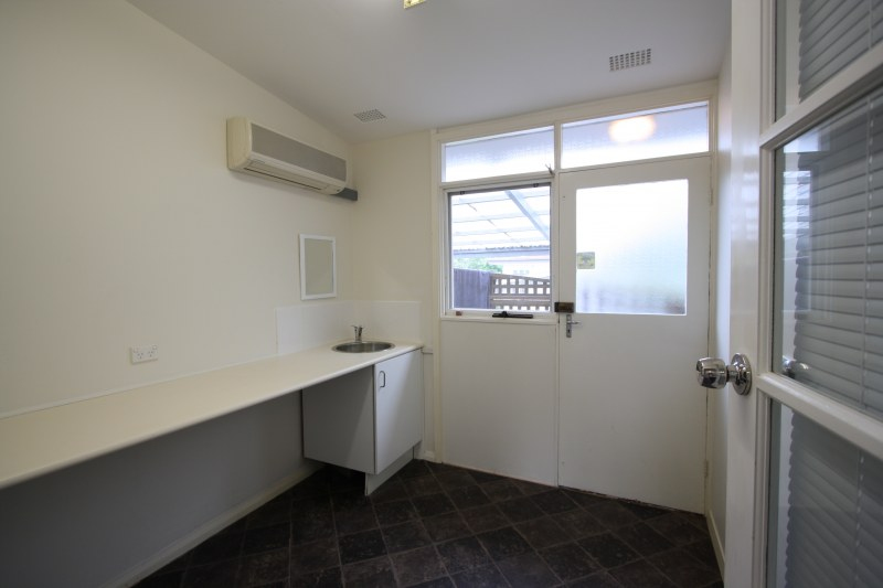 Photo - 613A Warringah Road, Forestville NSW 2087  - Image 8