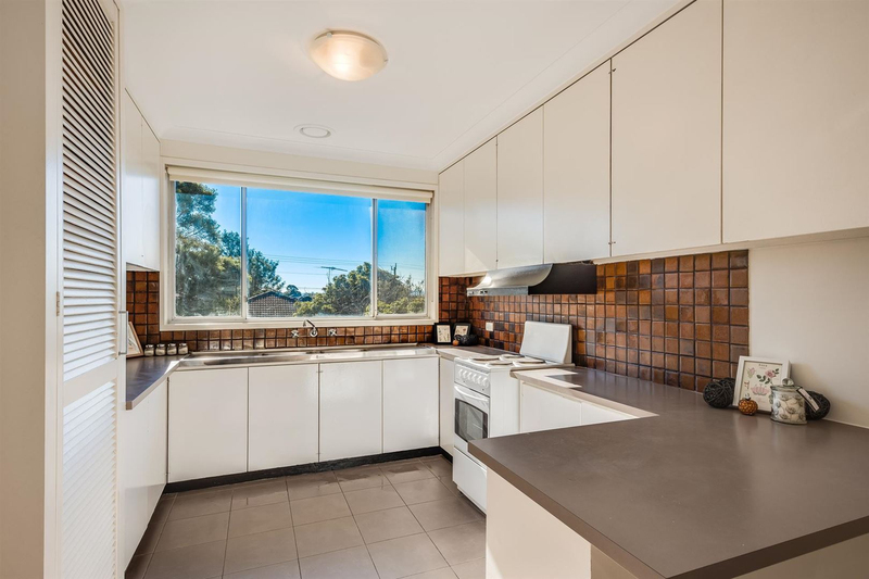 Photo - 6/14-16 Wolseley Grove, Bell Post Hill VIC 3215  - Image 3