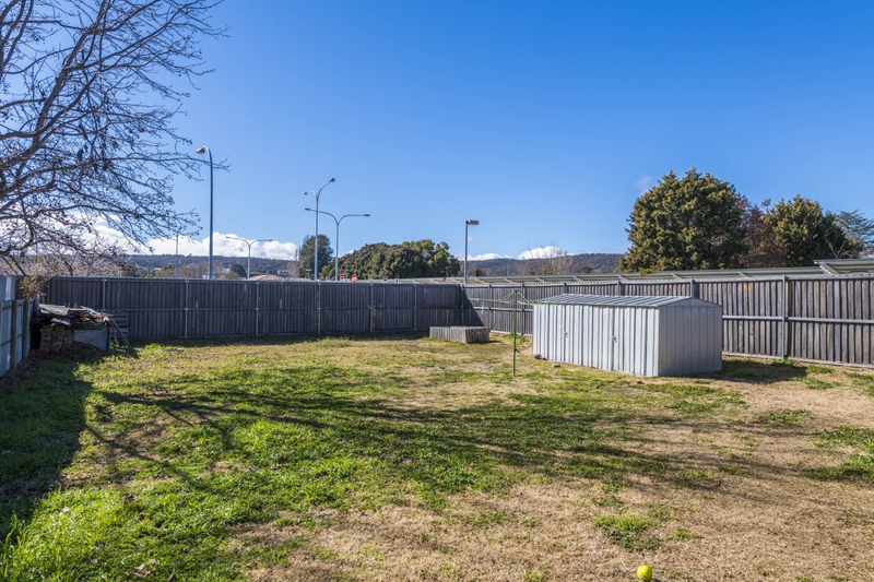 Photo - 64 Collett Street, Queanbeyan NSW 2620  - Image 4