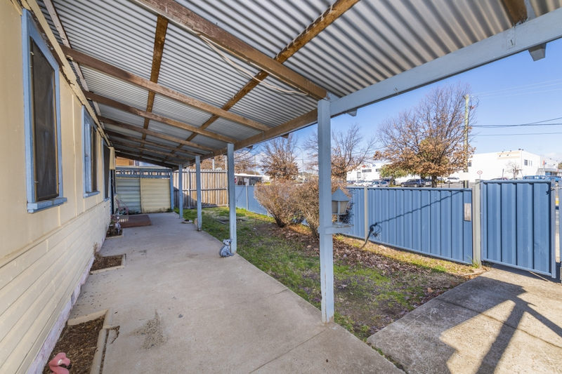 Photo - 64 Collett Street, Queanbeyan NSW 2620  - Image 5