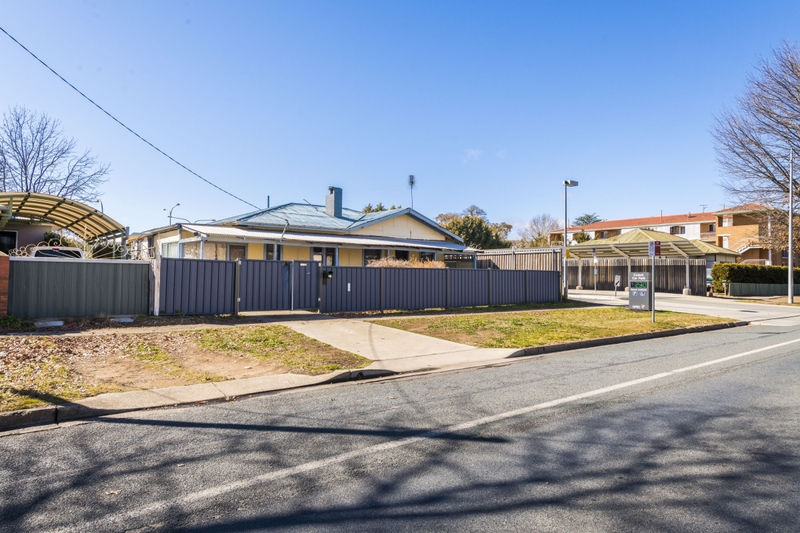 Photo - 64 Collett Street, Queanbeyan NSW 2620  - Image 11