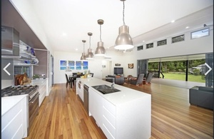 FLAT ACREAGE KINGDOM-NOOSA DREAMING!