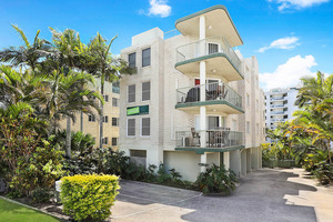 3 Bedroom with rooftop, low b/corp fees