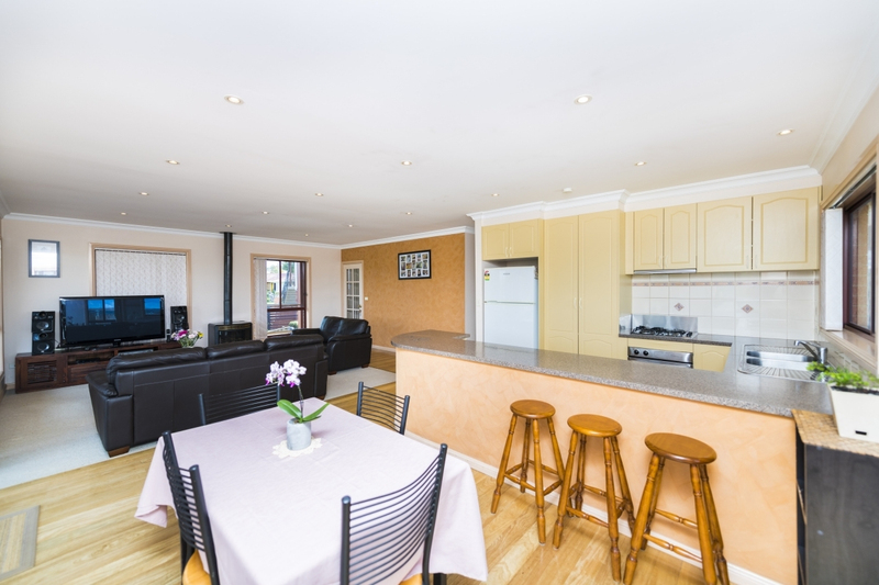 Photo - 65 The Crescent, Queanbeyan NSW 2620  - Image 6