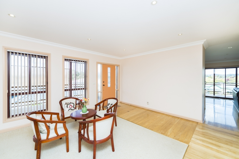 Photo - 65 The Crescent, Queanbeyan NSW 2620  - Image 7