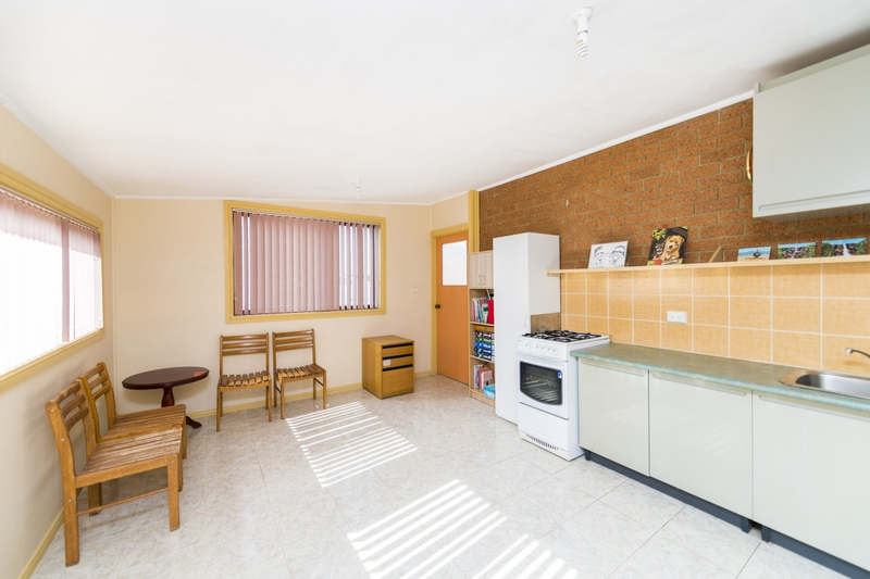 Photo - 65 The Crescent, Queanbeyan NSW 2620  - Image 14