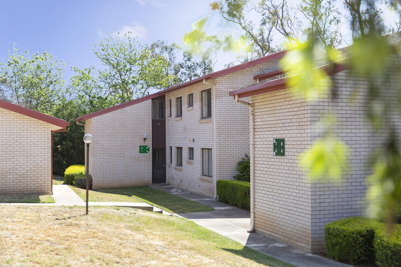 Photo - 6/7 Hyndes Crescent, Holder ACT 2611  - Image 3