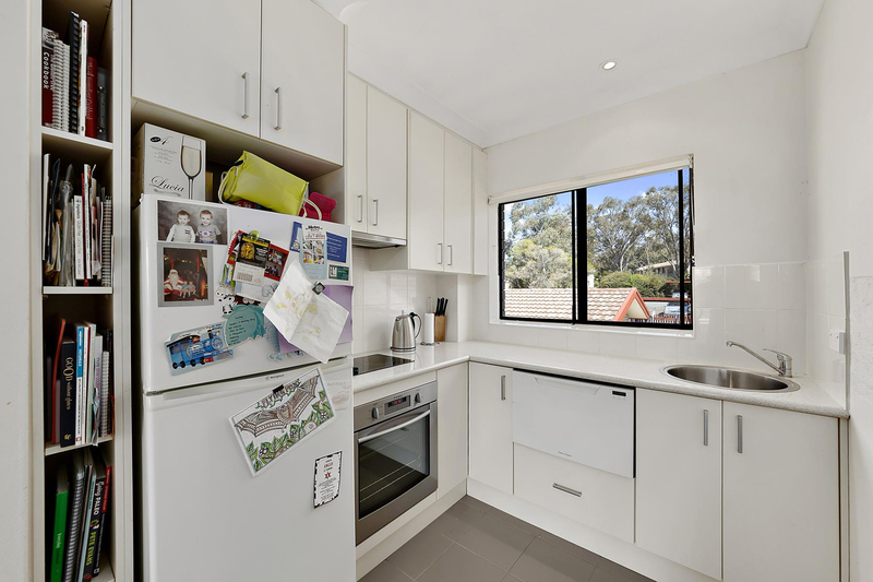Photo - 6/7 Hyndes Crescent, Holder ACT 2611  - Image 4