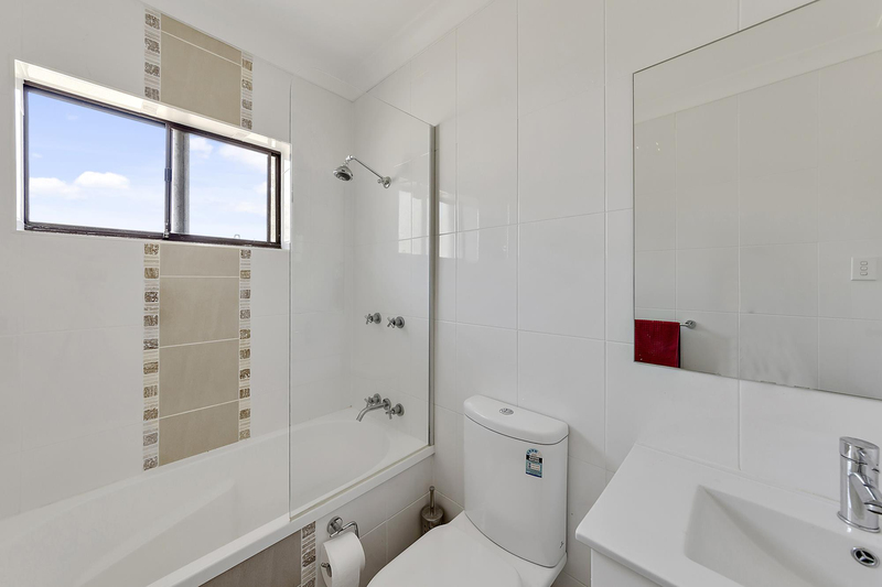 Photo - 6/7 Hyndes Crescent, Holder ACT 2611  - Image 5