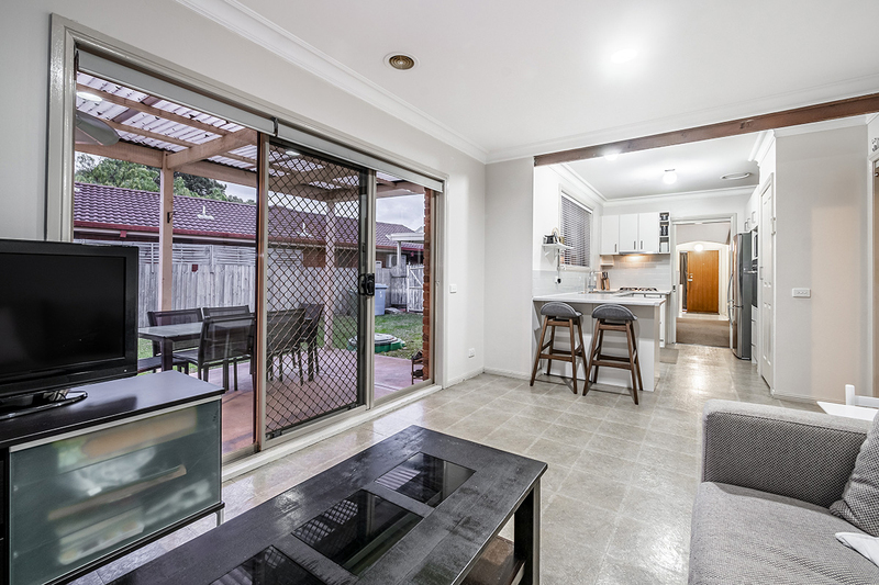 Photo - 67 Lawless Drive, Cranbourne North VIC 3977  - Image 4