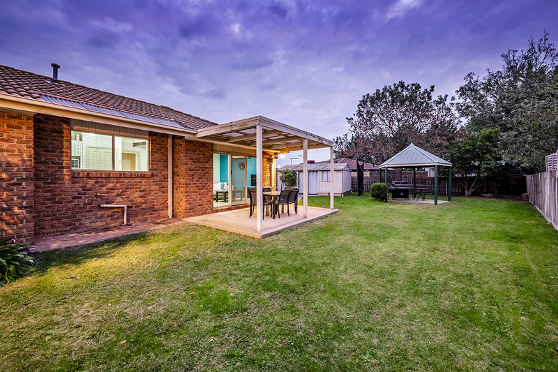 Photo - 67 Lawless Drive, Cranbourne North VIC 3977  - Image 18
