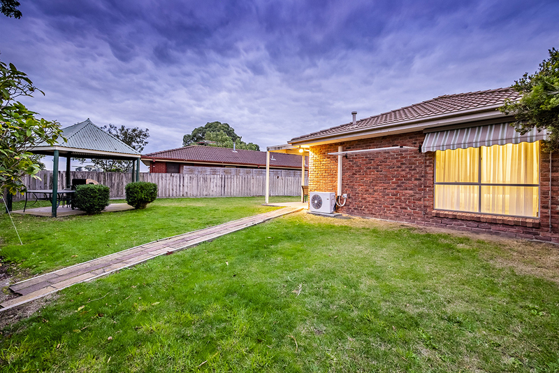 Photo - 67 Lawless Drive, Cranbourne North VIC 3977  - Image 20